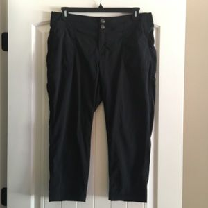 Athleta Trekkie Crop Pant